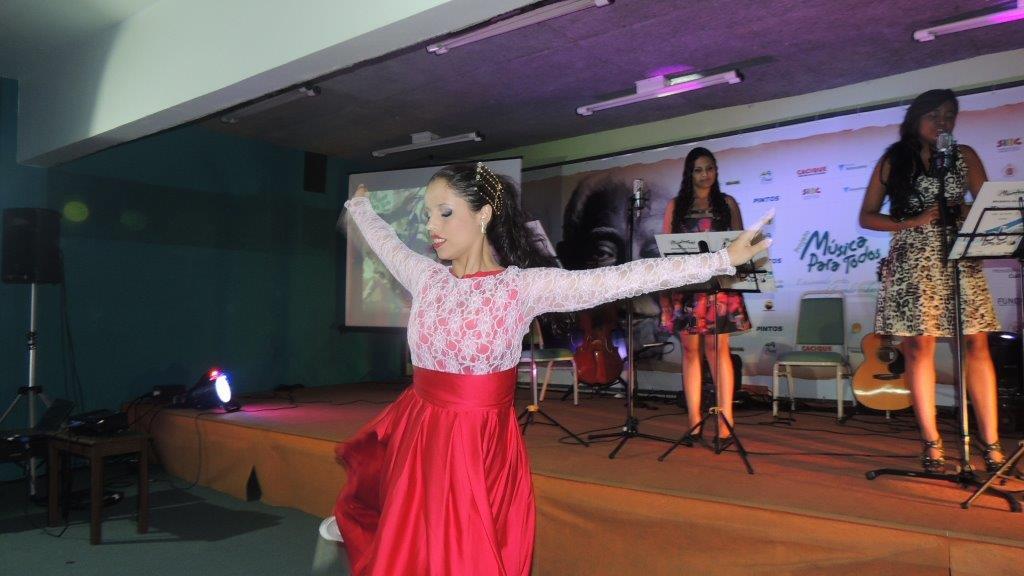 2015.04.08 - Recital Viva Elis - Gurpo Eu e Ellas (87)